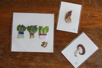 アイロンで手軽に付けられる刺繍ワッペン。リアルな食べ物の質感は、コレクションしたくなる可愛らしさです。
