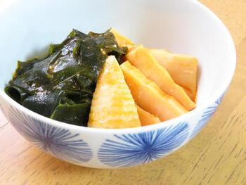たまには変わったものが作りたいと思ったら、野菜ジュースで作る創作和風イタリアンはどうでしょう?筍と野菜ジュースという馴染みの無い組み合わせも、ガーリックで味付けしているので意外とマッチします。