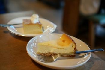 デザートで人気なのはチーズケーキ。コーヒーとの相性は抜群です♪シンプルな材料ながら、チーズの濃厚な味を楽しめます。ケーキの種類は日によって替わり、種類を色々選べるのが嬉しいですね。