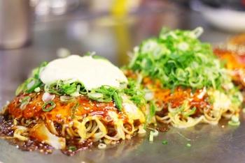 大阪名物「ねぎ焼き」の材料やカンタンレシピをご紹介しました。美味しくてヘルシーなねぎ焼き、ぜひお家で試してみてくださいね。