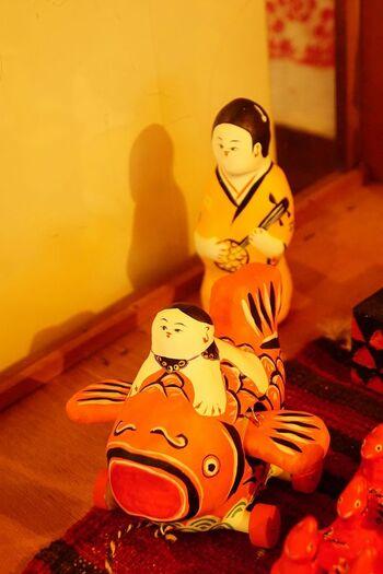 琉球張子作家である豊永盛人(とよながもりと)氏のお店「玩具ロードワークス」は、那覇市の第一牧志公設市場から徒歩数分の距離にあります。