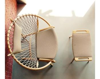 「デザイナーズチェア」と聞けば、その上質感から一瞬近寄りがたさを感じるもの。  しかしウェグナーの名作椅子は、いずれもうっとりとするような美しさを持ちながらも、触れてみたい、座ってみたいと思わせる親近感を覚える作品ばかりです。