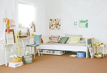 例えばワンルームマンションに一人暮らしするときには、ソファベッドとして。 少し広めのお部屋に引っ越したなら、ベッドは別に用意して、思い出の詰まった「tempo」は独立したソファに・・・。  どんなライフスタイルにも対応させやすいので、安心感を持って、おうちに迎え入れることができるはず。 飽きの来ない洗練されたデザインも◎ですね!