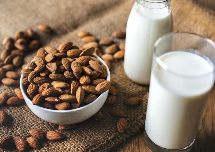 また食物繊維も豊富で、その数値はなんとレタスの9倍。お腹の中をデトックスしながら、腸内環境も整えられます。