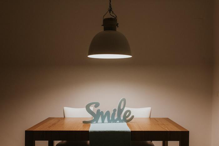 """I love the man that can smile in trouble, that can gather strength from distress, and grow brave by reflection.""  (私は困難の中で微笑む人が好きだ。 そのような人は苦難の中から強さを収穫し、内省を通じて勇気を育てることができる。)  By Thomas Paine  『コモン・センス』を書いてアメリカの独立活動を鼓舞したことで知られる、哲学者・革命思想家のトマス・ペインの言葉です。"