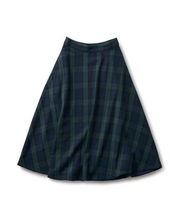 秋のコーディネートといえば「チェック柄」がマストです。チェック柄のスカート、今年はしっかりギャザーが効いたものやふんわり可愛らしいフレアが効いたものがオススメです。