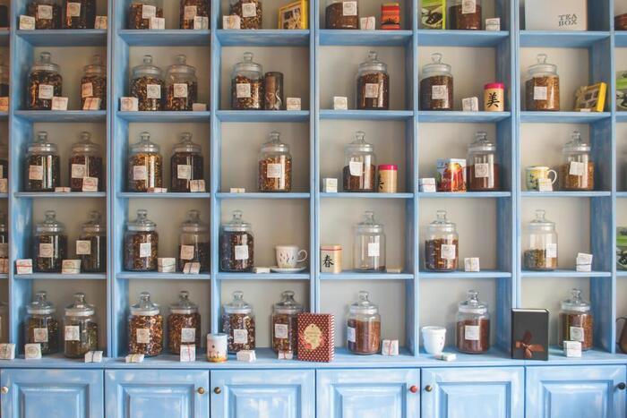 チャイの本場インドでは、地域によって使用されるスパイスや作り方、味、そして容器も異なります。日本でもお店によって使用されてるスパイスが違ったり風味に個性があったりしますよね。
