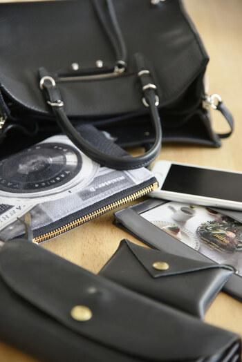 理想的なバッグは、必要なものが必要なときに、さっと取り出せるバッグです。たくさんのものを持っていても、使いたいときにすぐに見つからないのでは、スマートとは言えませんよね。