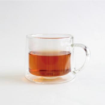 二層構造のマグカップは、中間層に空気を含み一般のグラスに比べて、温かいものは温かく、冷たいものは冷たく保つ効果が特徴。ランチのあとも、おいしいドリンクを頂けます。