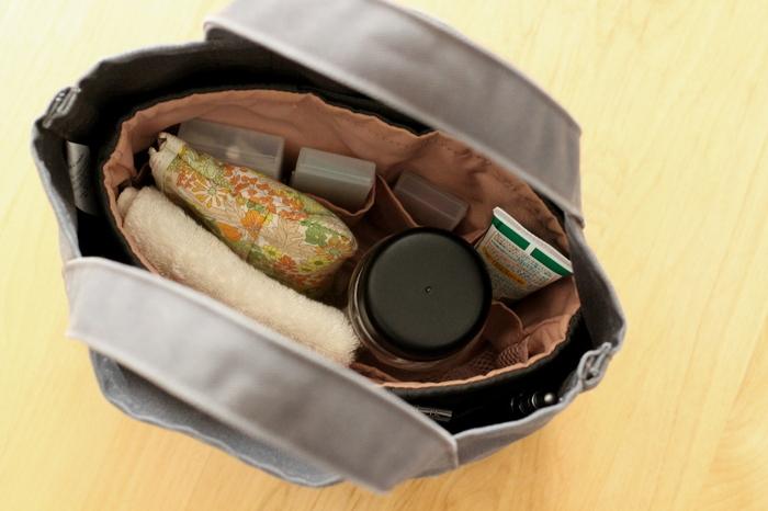 バッグの大きさに対してぴったりサイズのバッグインバッグというのは、実は使いやすいというのをご存知ですか?バッグの中でバッグインバッグ自体が動いてしまうこともなく、バッグとのすきまの部分も上手に使っていくことができます。
