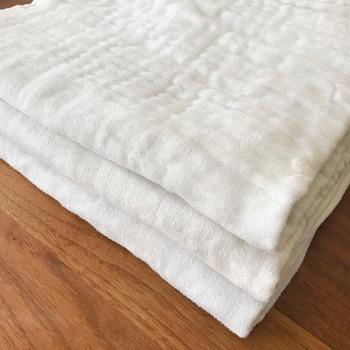 せっかくお風呂に入っても、体を拭くタオルや下着、服が生乾きの状態でにおう物だと、洗った体に雑菌を付けてしまう事になります。定期的に洗濯物を干す時に、ニオイのチェックをしてみましょう。通気性が良い乾きやすいタイプを選ぶのもポイントです。