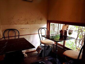 鳥羽街道駅から徒歩10分、光明院からは徒歩13分ほどのカフェ。伏見稲荷大社からも近いお店です。