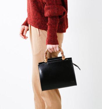 トレンド感をしっかり意識しながらも、大人っぽさを演出したい。そんな女性はぜひバッグ選びで、上品な印象をアピールしてみてください。バッグを変えるだけでも、コーデの雰囲気はガラリと変わりますよ。