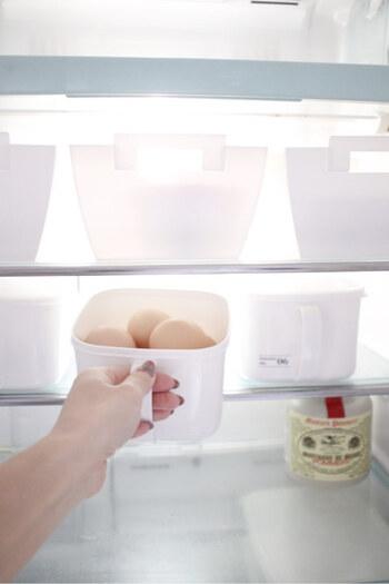 朝食の準備の際に、冷蔵庫の食材をチェックして、夜の献立を考えておきましょう。夕方や夜、帰り道に食材を買い足せば、おうちに帰ってから「あの食材がなかった…」と思うことも防げます。