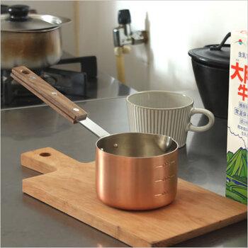 新潟県燕市にあるキッチンツールを扱うテノールワークス。メモリが付いており、300mlまで計れるため、レシピ通りの分量で作るのにも最適です。