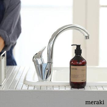 石油由来の成分は一切なし。高品質の天然素材のみで作られている「Meraki(メラキ)」のハンドソープ。安心してプレゼントできるブランドです。シャンプーやボディソープは好みが分かれるかもしれませんが、ハンドソープならより気軽に使ってもらえるのではないでしょうか。