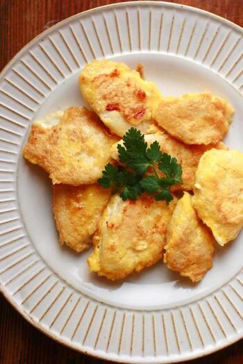 淡白なササミに粉チーズの衣をつけたピカタ。チーズの風味がおいしいおかずは、お弁当にもぴったりです。
