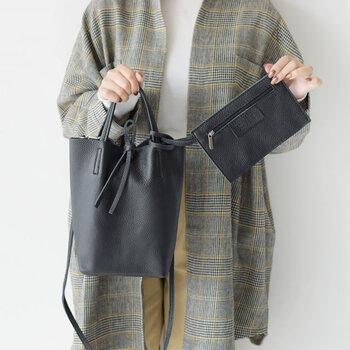 春夏秋冬、1年を通して使えるデザイン。バッグの中もしっかり整理できるので、荷物をスッキリまとめられて便利にお使いいただけます。