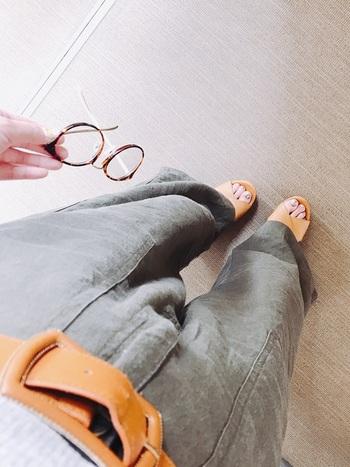 伊達眼鏡のレンズは、有りだと本物の眼鏡と同様どこか知的な印象に。しかし、度無しのレンズには違和感を感じてしまう人も多いようです。まつ毛が当たるのが気になる人や、より安い眼鏡がいいという人にはレンズ無しの伊達眼鏡をおすすめします♪