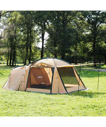 ドームテントの外側にリビングスペースが付いているのが「ツール―ムテント」。ひとりでも簡単に設営できるものが多く、場所も取らないことから、ファミリーから初心者さんにまで幅広く愛用されています。