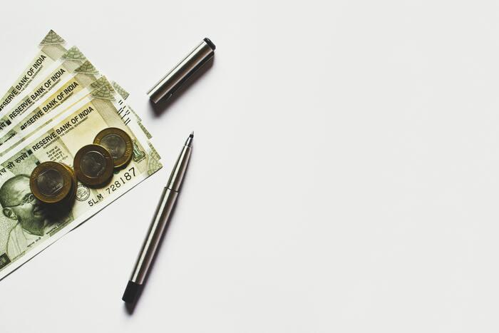 お金を使う日を意識的に減らすだけで出費を減らすことができ、結果的に節約につながります。あるものでなんとかするというやりくりの精神が自然と身に付き、お金の使い方も慎重になります。