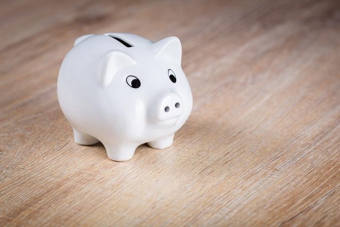 引っ越しの挨拶の手土産の相場は、1軒につき、500円~1000円程度といわれています。とてもお世話になった方や大家さんなどにはもう少し多めの予算を取って、感謝の気持ちを表すのもいいですね。