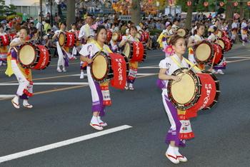 そのほか、岩手・盛岡は季節のお祭りも楽しいところ。  夏は「盛岡さんさ踊り」(盛岡駅周辺)、冬は「もりおか雪あかり」(盛岡城跡公園)など、観光客をもてなしてくれますよ。