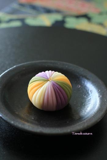 優しい甘さが疲れた心と体を溶かしてくれる「和菓子」。和菓子は食べるだけでありません。なんと自分で作る体験をすることもできるんですよ。