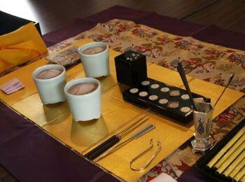※写真はイメージです。  東慶寺では香木の香りを楽しむ「香道」(こうどう)の香りを当てる競技のような「組香」を体験することもできます。これはなかなか日々の暮らしでは体験できないので貴重です。詳しくはHPを確認してみてくださいね。