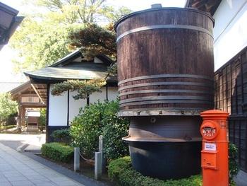 酒蔵の歴史やお酒について学べる見学コースが人気です。日本酒コース、ビールコース、ランチ付きのコースなど4種類あるので、事前に申し込みましょう。