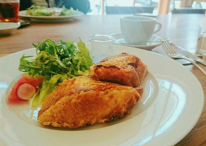 モーニングはフレンチトーストやクロックムッシュなど、メニューも豊富で、どれも大変美味しくおしゃれです。それぞれのお料理もクオリティが高いと評判ですよ。