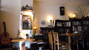 店内の雰囲気もフランスの隠れ家的な雰囲気で、どこをフレームに収めても絵になる素敵な空間です。
