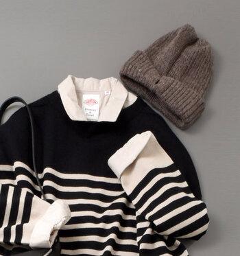 寒くなる季節に欠かせないファッション小物と言えば、ニット帽を挙げる女性は多いはずです。でもロングシーズン使えるニット帽だからこそ、春夏/秋冬用の選び方がわからないという声も。  そこで今回は、ニット帽の上手な選び方や被り方、ニット帽を取り入れた大人女子コーデをカラー別にご紹介します。