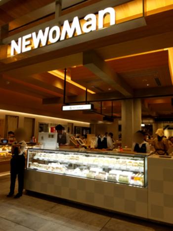 2016年、JR新宿駅エキナカ「ニュウマン新宿」にオープンした和のサンドイッチ専門店。 店名どおり、鰹や昆布などの出汁や味噌、醤油といった和のうま味を生かしたラインナップです。