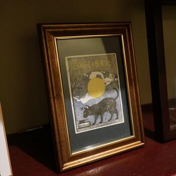 店内のイメージは、小説家の横溝正史氏の世界をもとにしていて、数ある小説の中でも「黒猫亭事件」をイメージしているそう。