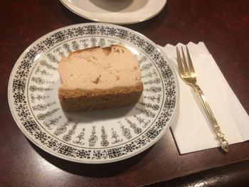 キャロットケーキは辛口の日本酒が合うそう。お酒が苦手な方は、アイスティーやクリームソーダなどもあるのでご安心を。