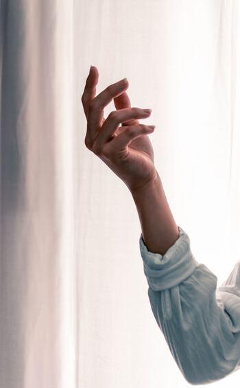 """素敵な人は""""指の先まで美しい""""。うるつや手肌に近づく《ハンドケア講座》"""