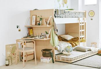 組み合わせ次第で二段ベッド、三段ベッド、ロフトベッド・・・と形を変えられる、アクタスの「テンポ」シリーズ。