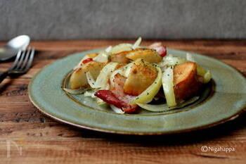 煮物のイメージが強い里芋ですが、実は焼いてもおいしいんです。ジャーマンポテトに里芋を使って。ねっとりホクホクとした新鮮な味わいを楽しんで。