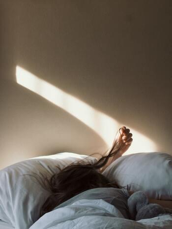 朝はどのおうちでも慌ただしいもの。バタバタ感から開放されようと朝活を実践してみるも、結局続かなかった人もきっといるはず。少しでも多く寝ていたい派さんに紹介したいのが「ついで」「ちょっと」でできることです。