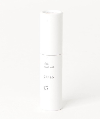 ukaが人気の理由は、ラインナップの豊富さにもあります。特に時間ごとに用意されたシリーズは、女性の1日をさりげなく応援してくれる嬉しいアイテム。中でも、1日の終わりにおすすめの「24:45(ニイヨンヨンゴ)」は、重めのテクスチャーですが、べたつきが少ない!高い保湿力と癒される香りで人気です。