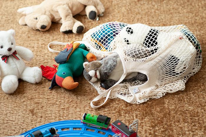 大きいサイズなのでおうちの中の、かさばるものの収納や、散らかりがちな子どものおもちゃなどをまとめてしまっておくのにも適しています。