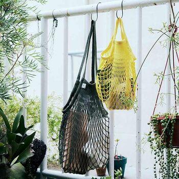 持ち歩いたり、お家の中の収納に使ったり、とっても便利なネットバッグ。皆さんどんな風に使っているのでしょうか。