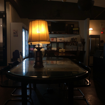 これぞ、正統派の喫茶店といいたくなる雰囲気のカフェが、「喫茶ロア」。  それもそのはず、1958年創業という、札幌でも指折りの老舗なんですよ。