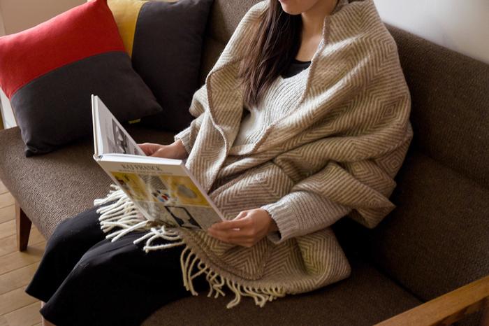 冷えた体をすっぽりと包み込んでくれるショールやブランケット。寒さが本格的になる前に、お気に入りのひとつを探してみませんか!