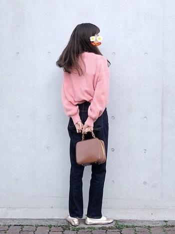 かわいいイメージのピンクニットですが、選び方や着こなし次第で大人だってちゃんと似合います。いまの年齢だからこそ、ピンクニットコーデをもっと楽しんでみませんか?