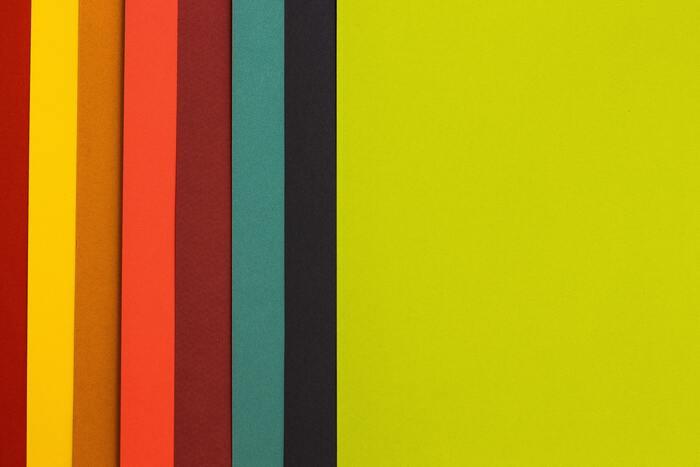 パーソナルカラーは、あなたに似合う色のこと。肌の色などで、全4種類に分けられます。自分のパーソナルカラーに合わせてコーディネートを組むことで、よりあなたに似合う、洗練されたコーデになります。