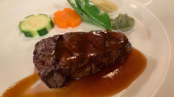 伝統のレシピを守りつつ、歴代のシェフのエッセンスが盛り込まれたお料理の数々。軽井沢の旬の食材に季節を感じることもできます。