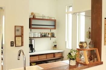 自分好みのインテリアでまとめたキッチンカウンターがあれば、料理をする時間もより楽しくなりそう。気分も上がりそうですね。  あなたもぜひ、キッチンカウンターをより使いやすくおしゃれに演出してみませんか。