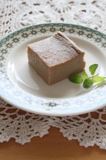 水分が多く、芋類のなかでも低カロリーな里芋。ココナッツミルクと合わせたアジアン風のプリンです。なめらかな食感ときび砂糖と黒糖の優しい甘さを楽しんで。
